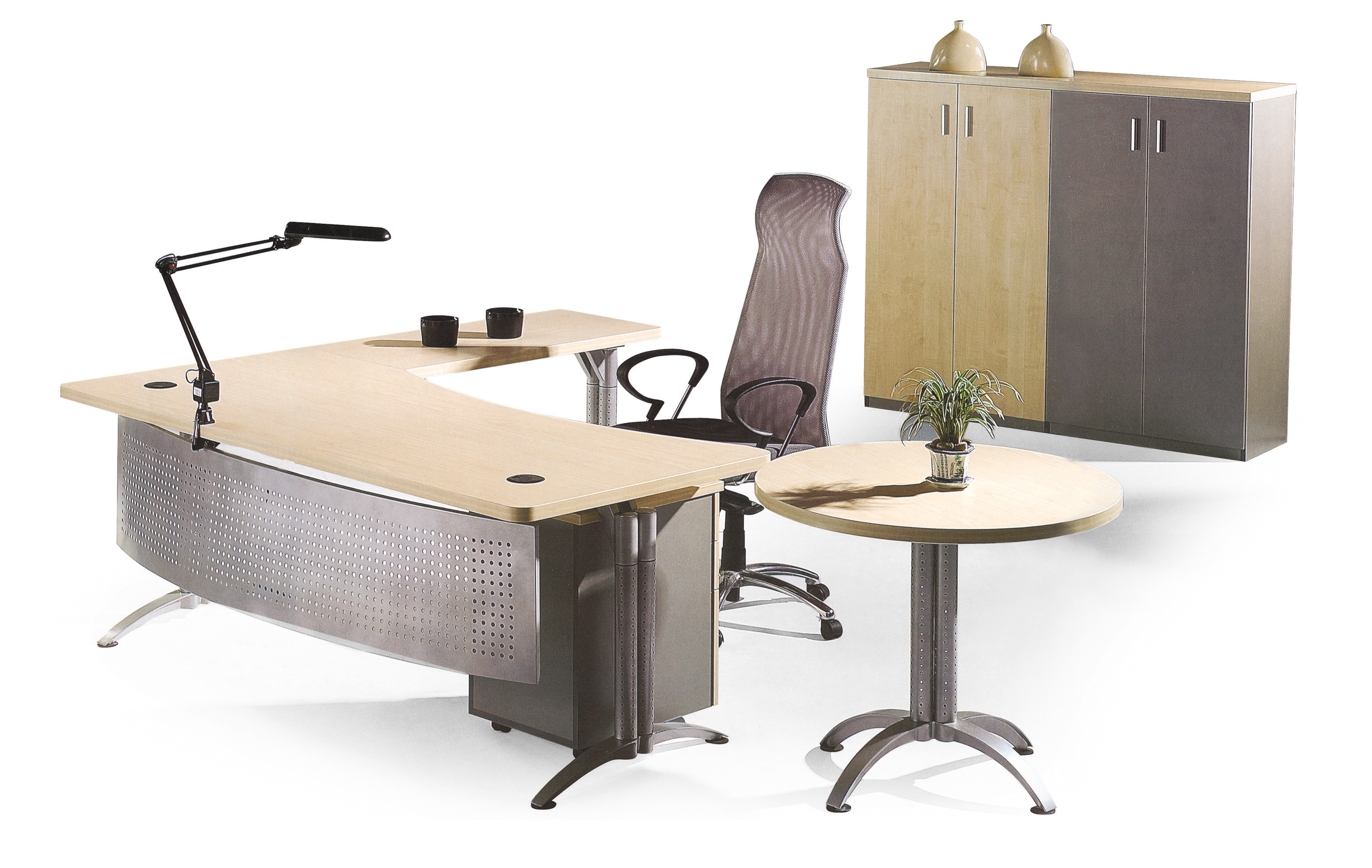 这款钢木l型设计的办公桌